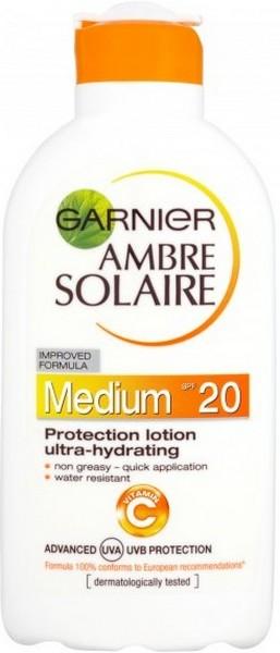 Fotografie Garnier Ambre Solaire hydratační mléko na opalování SPF 20 200 ml