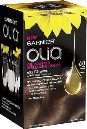 Fotografie Garnier Permanentní olejová barva na vlasy bez amoniaku Olia 6.0 světle hnědá