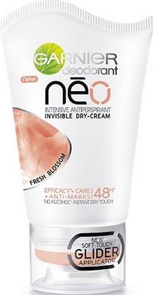 Fotografie Garnier Neo Fresh Blossom antiperspirant deodorant stick pro ženy 40 ml