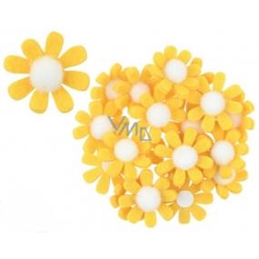 Květy z filcu s lepíkem žluté dekorace 3,5 cm v krabičce 18 kusů