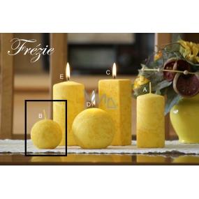 Lima Mramor Frézie vonná svíčka žlutá koule 60 mm 1 kus