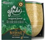 Glade Magical Forest - borové jehličí, jantar a lesní ovoce vonná svíčka ve skle doba hoření až 30 hodin 120 g
