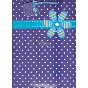 Nekupto Dárková papírová taška velká 32,5 x 26 x 13 cm fialovo bílý puntík + květ 1135 40 KFL