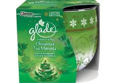 Glade Christmas Tree Moments vonná svíčka ve skle doba hoření až 30 hodin 120 g