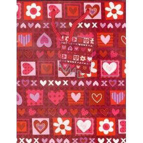 Nekupto Dárková papírová taška střední 518 30 BM červená se srdíčky 23 x 18 x 10 cm