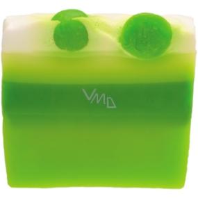 Bomb Cosmetics Jarní fantazie - Springtime Fantasy Přírodní glycerinové mýdlo 100 g