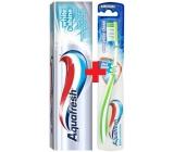 Aquafresh Whitening White & Shine zubní pasta s bělícím účinkem 100 ml + Aquafresh Everyday Clean střední zubní kartáček 1 kus