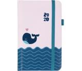 Albi Diář 2020 kapesní s gumičkou Velryba 15 x 9,5 x 1,3 cm