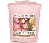 Yankee Candle Fresh Cut Roses - Čerstvě nařezané růže vonná svíčka votivní 49 g