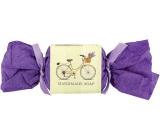 Bohemia Gifts & Cosmetics Life Riding ručně vyráběné toaletní mýdlo s vůní levandule bonbon 30 g