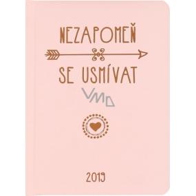 Albi Diář 2019 týdenní Úsměv - růžový s textem 12,6 x 17 x 1,2 cm