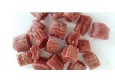 Salač Kousky kachního masa ve vepřovém střívku doplňkové krmivo pro psy 250 g
