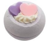 Bomb Cosmetics Dvě srdce - Two Hearts Šumivý balistik do koupele 160 g