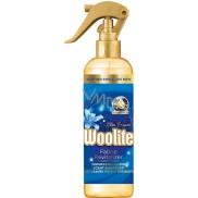 Woolite Blue Passion osvěžovač tkanin rozprašovač 300 ml