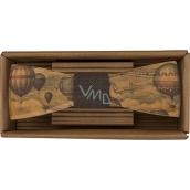 Bohemia Gifts & Cosmetics Dřevěný motýlek Cestovatel - balóny 12,5 cm