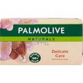 Palmolive Naturals Delicate Care s mandlovým mlékem toaletní mýdlo 90 g