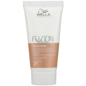 Wella Professionals Fusion Intense Repair regenerační kondicionér pro poškozené vlasy Mini 30 ml