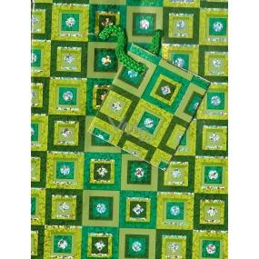 Nekupto Dárková papírová taška malá 025 50 GS zelená se čtverečky 14 x 11 x 6,5 cm
