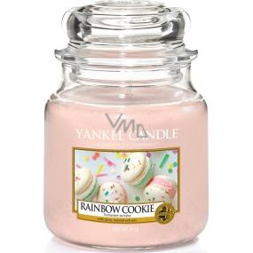 Yankee Candle Rainbow Cookie - Duhové makronky vonná svíčka Classic střední sklo 411 g
