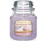 Yankee Candle Sweet Morning Rose - Sladká ranní růže vonná svíčka Classic střední sklo 411 g