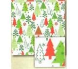 Nekupto Balící papír vánoční Bílý-červený, zelený vánoční strom 0,7 x 2 m