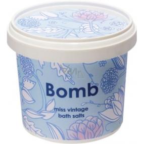 Bomb Cosmetics Sametový ročník - Vintage Velve sůl do koupele 365 ml