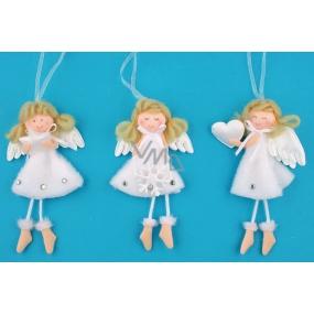 Anděl plyšový bílý s nožkama na zavěšení různé druhy 14 cm