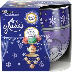 Glade by Brise Velvet Tea Party vonná svíčka ve skle 120 g