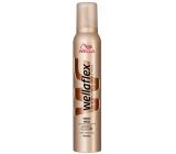Wellaflex Shiny Hold ultra silné zpevnění pěnové tužidlo 200 ml