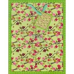 Nekupto Dárková papírová taška střední 23 x 18 x 10 cm zelená květiny na větvích 1015 50 KFM