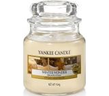 Yankee Candle Winter Wonder - Zimní zázrak vonná svíčka Classic malá sklo 104 g