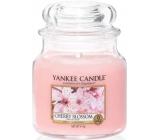 Yankee Candle Cherry Blossom - Třešňový květ vonná svíčka Classic střední sklo 411 g