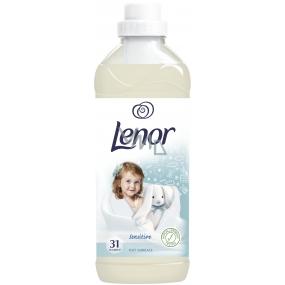 Lenor Sensitive Soft Embrace aviváž 31 dávek 930 ml